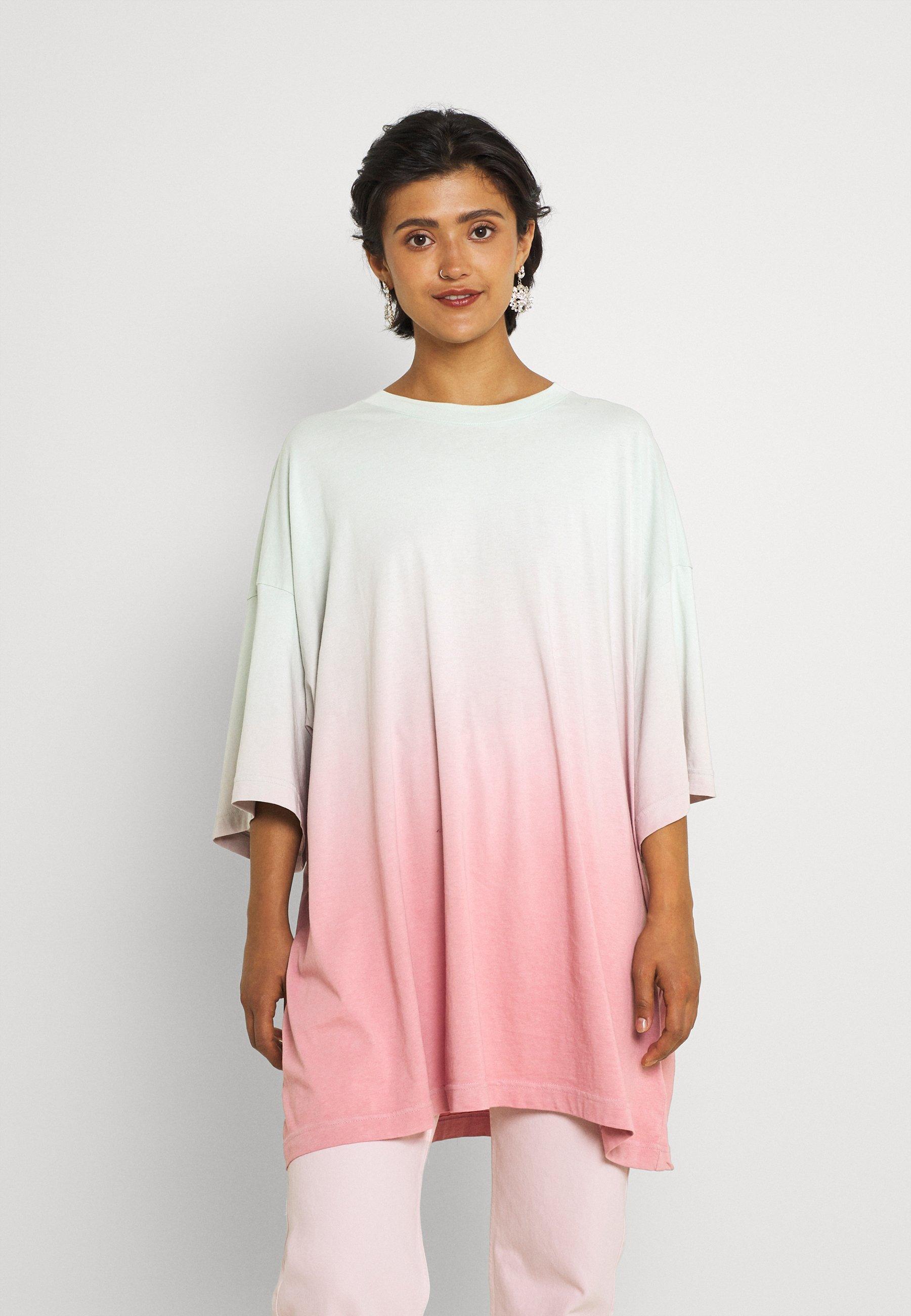 Women HUGE - Print T-shirt