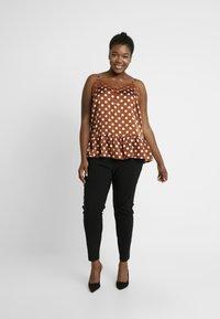 New Look Curves - TWO ZIP BENGALINE TROUSER - Pantalones - black - 1
