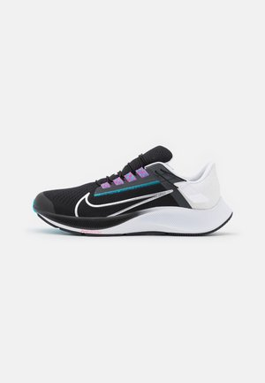 AIR ZOOM PEGASUS 38 FLYEASE 4E - Neutral running shoes - black/metallic silver/white/chlorine blue/anthracite/flash crimson