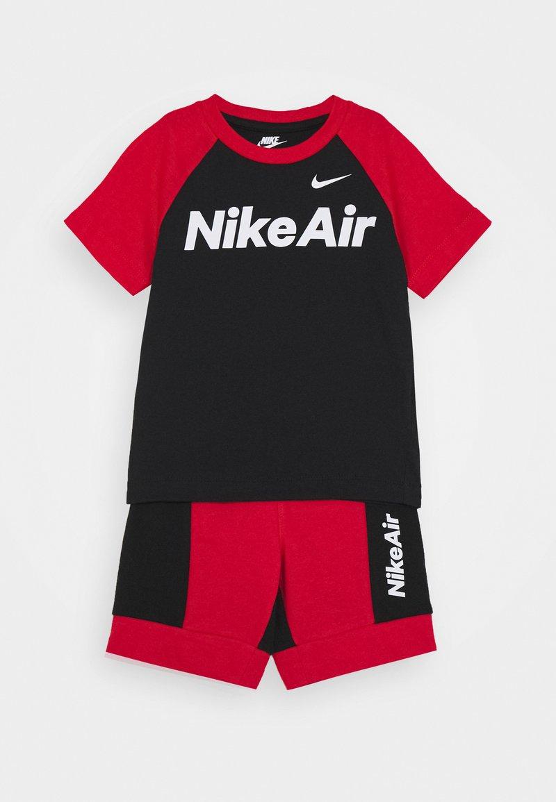 Nike Sportswear - AIR SET - Pantalones deportivos - black/university red