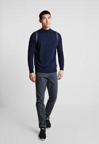 G-Star - 3301 STRAIGHT TAPERED - Jeans Straight Leg - kamden grey stretch denim - dry waxed pebble grey - 1