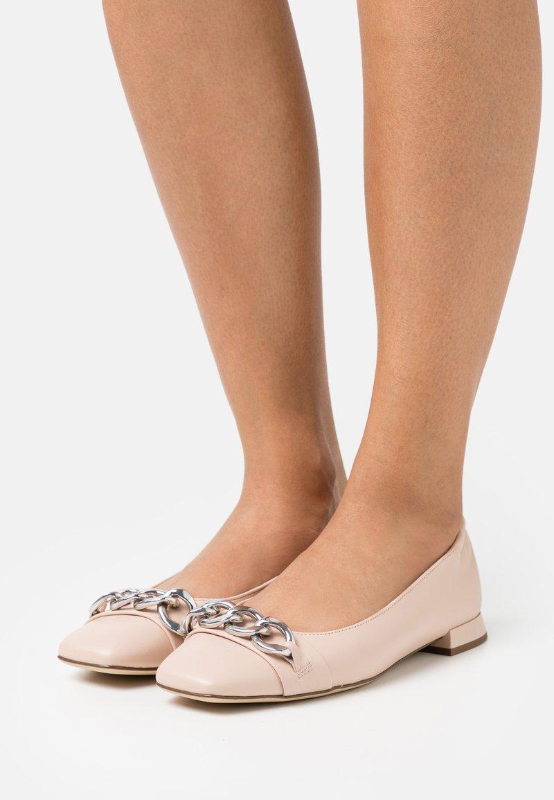 Högl - LENA - Ballerinat - beige