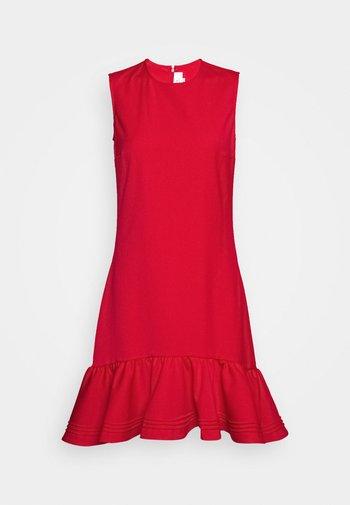 PINTUCK FLOUNCE HEM SHIFT DRESS