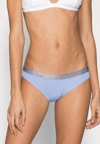 Calvin Klein Underwear - 3 PACK - Briefs - grey heather/pale blue/flambe - 3