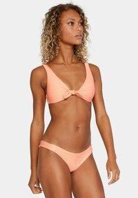 RVCA - Bikini top - coral - 3