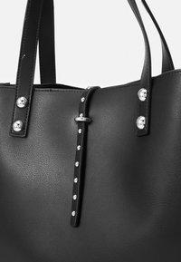 Trussardi - DAFNE SHOPPING SET - Shopping bag - black - 2