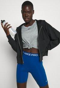 Nike Performance - SHORT HI RISE - Tights - court blue - 3