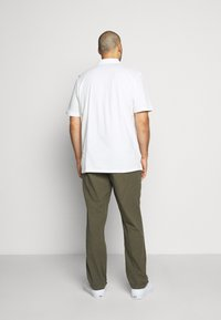 Jack & Jones - JJIMARCO JJLINEN AKM - Broek - olive night - 2