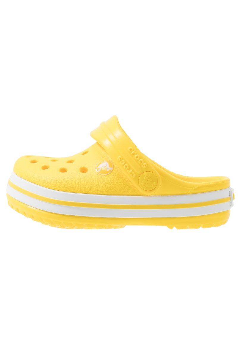 Crocs - CROCBAND - Sandały kąpielowe - lemon