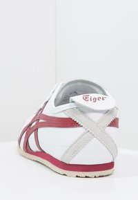 Onitsuka Tiger - MEXICO 66 - Sneakersy niskie - white/burgundy - 3