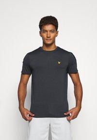 Lyle & Scott - SLEEVE TAPE TEE - Basic T-shirt - true black - 0