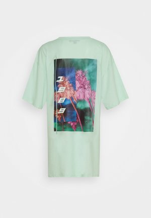 BACK GRAPHIC OVERSIZED DRESS - Sukienka z dżerseju - mint