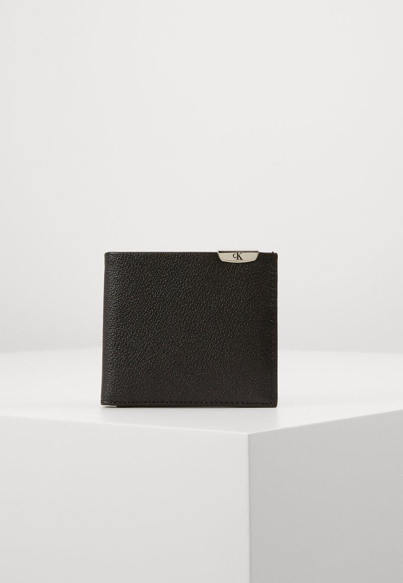 Calvin Klein Jeans - CKJ MICRO PEBBLE BIFOLD W/C - Wallet - black