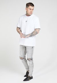 SIKSILK - BUST KNEE RIOT - Jeans Skinny Fit - washed grey - 1