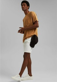 Esprit - Basic T-shirt - camel - 1