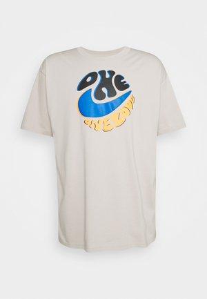 TEE SPORT POWER LOVE - Print T-shirt - cream ii