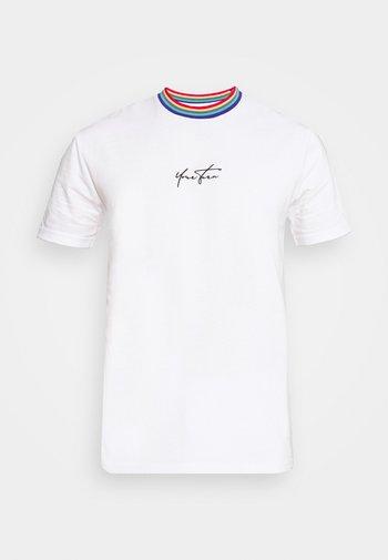 PRIDE UNISEX - Print T-shirt - white