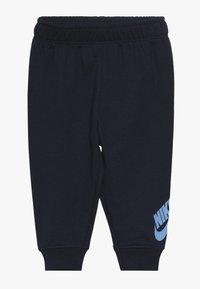 Nike Sportswear - TOSS PANT BABY SET - Body - midnight navy - 2