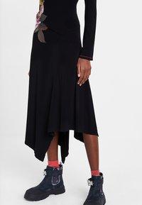 Desigual - VEST_ROSE - Day dress - black - 4