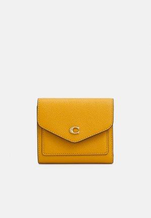 CROSSGRAIN SMALL WALLET - Wallet - buttercup