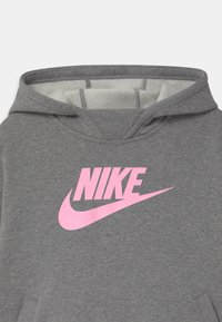 Nike Sportswear - PLUS  - Sweat à capuche - carbon heather/pink