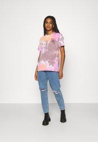 BDG Urban Outfitters - MAKE IT FUN TIE DYE TEE - Print T-shirt - pink - 1