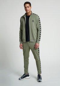 Hummel - Zip-up hoodie - vetiver - 1