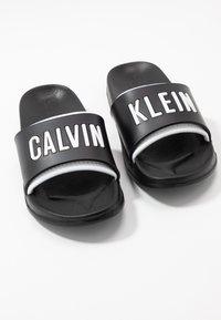 Calvin Klein Swimwear - SLIDE - Pantofle - black - 7