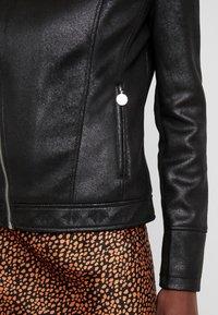 Desigual - BROWARD - Imitatieleren jas - black - 6