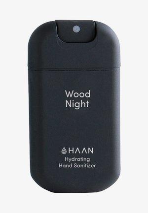 HAAN SINGLE HAND SANITIZER - Mydło w płynie - wood night