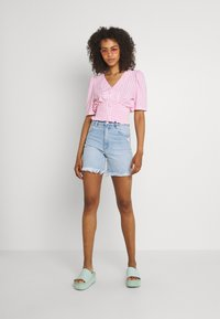 Abrand Jeans - A CLAUDIA CUT OFF - Jeans Shorts - emily - 1