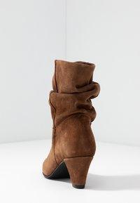mint&berry - Classic ankle boots - cognac - 5