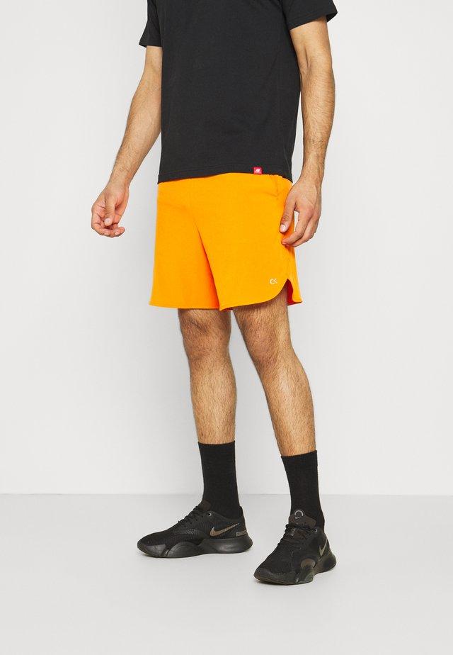 """PRIDE 7"""" SHORT - Korte broeken - danger orange"""