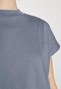 Weekday - PRIME - Basic T-shirt - grey - 6
