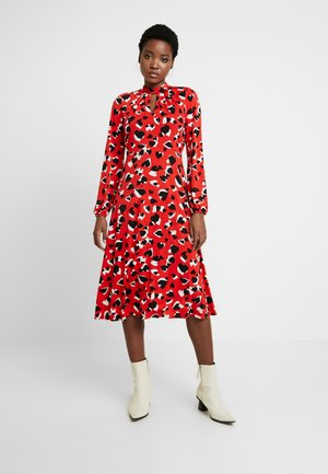 GRAPHIC HEART MIDI - Sukienka letnia - red