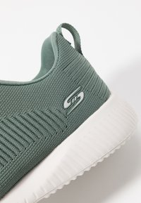 Skechers Wide Fit - BOBS SQUAD - Sneakers laag - green - 2