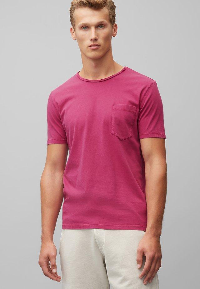 T-SHIRT AUS ORGANIC COTTON - Basic T-shirt - raspberry radiance