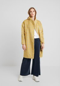 Louche - DONALDA HOUNDS - Classic coat - yellow - 1
