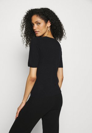 EVERLOTTEPW - Basic T-shirt - black