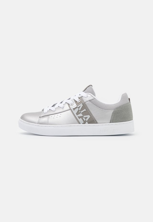 WILLOW - Trainers - silver