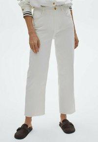 Massimo Dutti - Straight leg jeans - white - 0