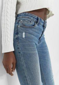 Stradivarius - Jeans Skinny Fit - mottled blue - 3