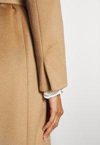 MAX&Co. - LONGRUN - Klasický kabát - camel - 6
