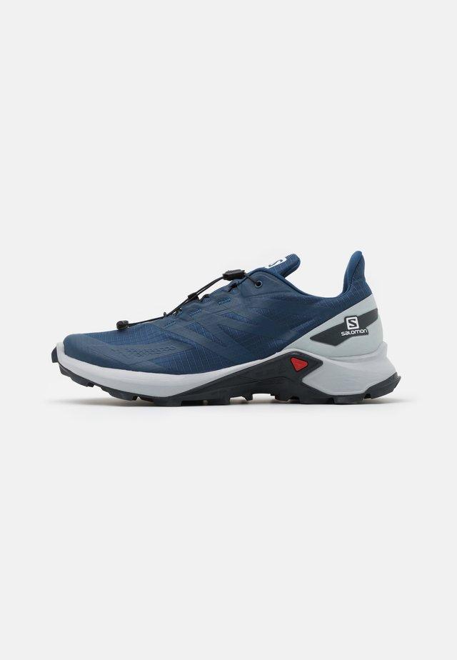 SUPERCROSS BLAST - Trail running shoes - dark denim/pearl blue/ebony