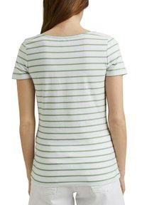 Esprit - TSHIRT DANCER - Print T-shirt - leaf green - 8