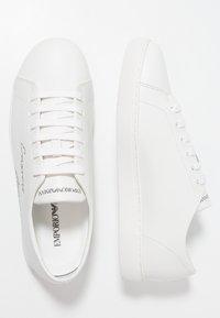 Emporio Armani - Sneakers basse - optical white - 1