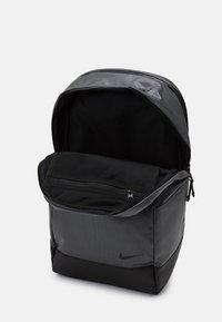 Nike Sportswear - ESSENTIAL - Rucksack - particle grey/black - 2