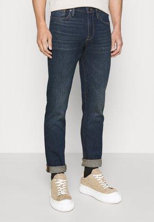 L'HOMME - Slim fit jeans - avon