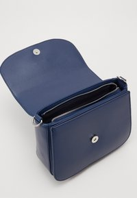 Valentino Bags - DIVINA  - Käsilaukku - blue - 2