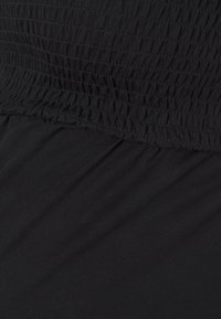 Pieces Maternity - PCMTILY WIDE CROPPED  - Haalari - black - 2